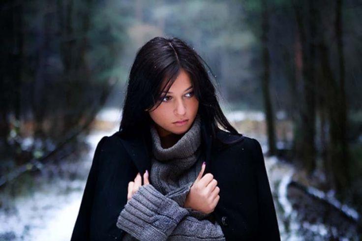 Ini adalah kisah nyata curahan hati (curhat) seorang wanita yang melihat suami selingkuh diatas ranjangnya. Baca kisahnya lengkapnya di bisfren.com