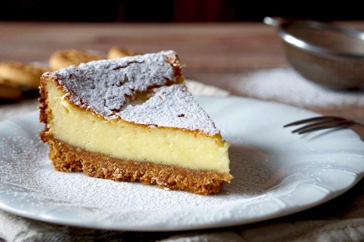 Un Cheesecake semplice, facile e veloce? Ecco a voi il Cheesecake al Mascarpone! Per realizzarlo servono pochi ingredienti, pochi strumenti e poco tempo. La base è composto da biscotti secchi tritati e burro o margarina sciolto mentre la crema è fatta con mascarpone, uova, zucchero ed ingredienti a piacere come vanillina e buccia di limone. [...]