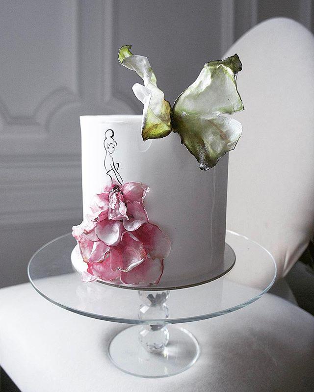 """WEBSTA @ elena_gnut - Весенний тортик в честь открытия цветочного салона """"HELLO FLOWERS"""" @hello_flowers_kld на радужном """"цветном бульваре"""" так вот❗️уважаемые мужчины‼️ для вас немного рекламы и маленький совет поторопитесь заказать прекрасные весенние букеты для своих любимых❤️"""