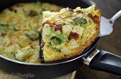 """""""Frittata"""" de batata, brócolis e calabresa!!!  :)"""