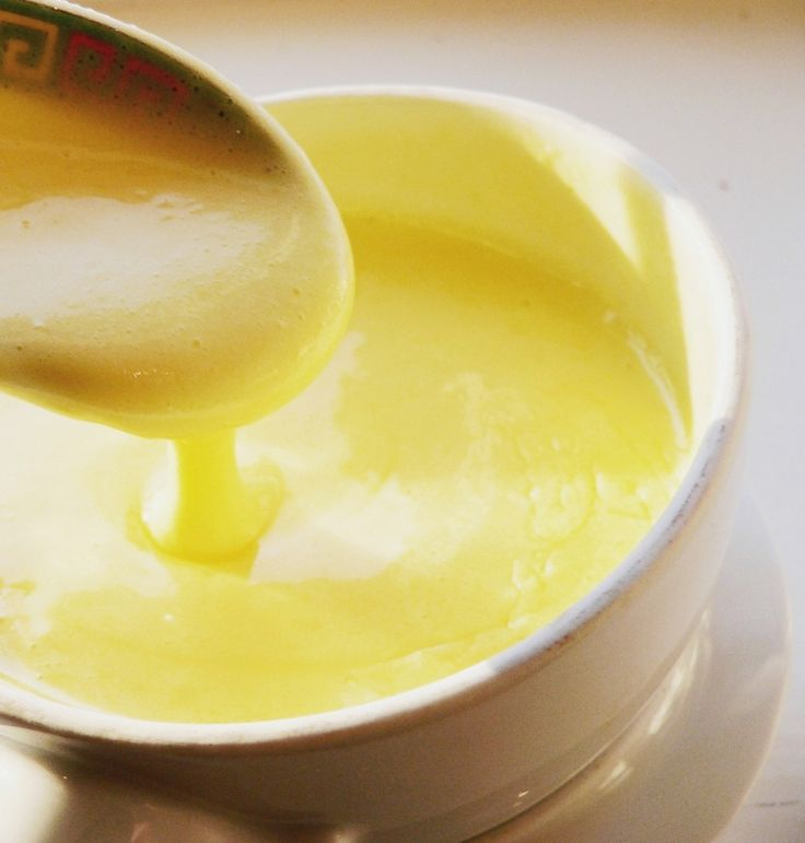 Sauces: Healthy Greek Yogurt Hollandaise Sauce
