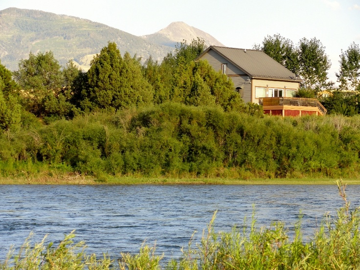 Stay Here On The Banks Of Yellowstone River When You Visit Park See