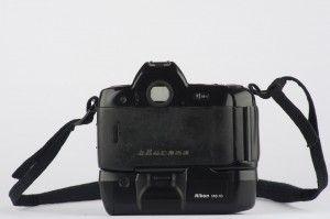Nikon F90x mit Batteriefach MB-10 und AF-D Nikkor 2/35mm