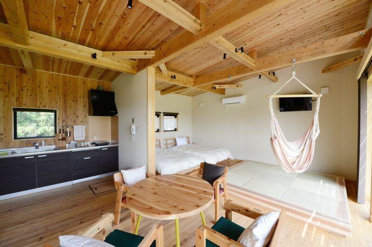 """最近話題の豪華なキャンプ""""グランピング""""。今回は、千葉県香取市に位置するグランピング施設「THE FARM(ザ ファーム)」をご紹介します。テントとコテージ2種類から宿泊施設が選べる他、手ぶらでBBQができたり、温泉施設があったりと、贅沢かつ手軽にアウトドアを楽しめるんです。"""