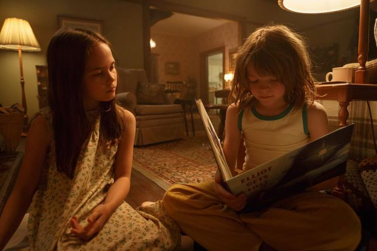 Oona Laurence, Actress--Oona Laurence is an actress, known for Pete's Dragon (2016) and Bad Moms (2016). And Oakes Fegley in Pete's Dragon (2016)