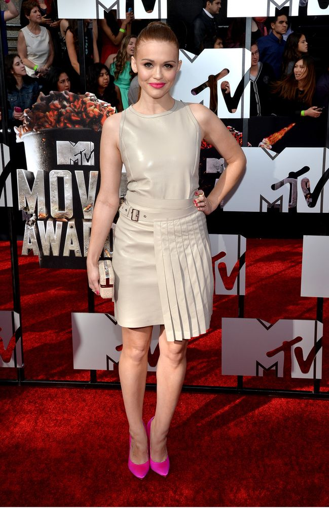 Holland Roden on MTV Movie Awards 2014 Red Carpet - looking great & edgy!