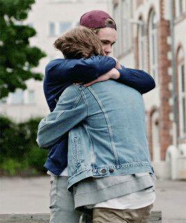 Isak + Evan Hugs Evak Skam alt er love