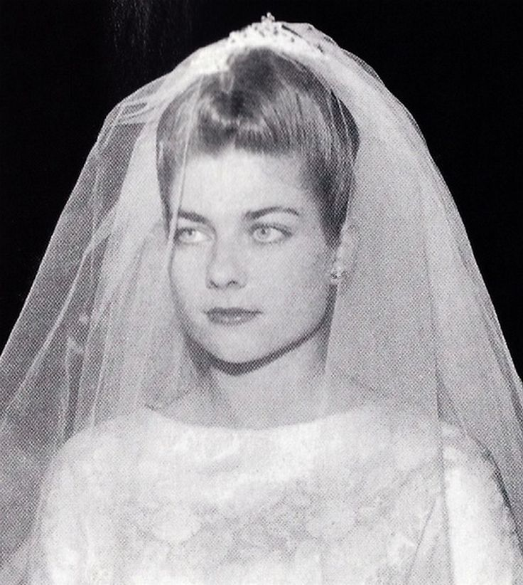 Princess Helene d´Orleans in the day of her wedding with count Evrard of Limburg-Stirum. 1957