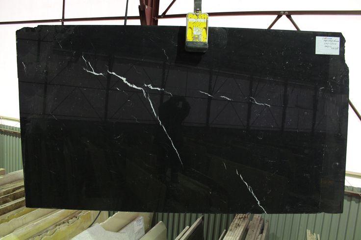 Слэб черного мрамора Неро Марквина