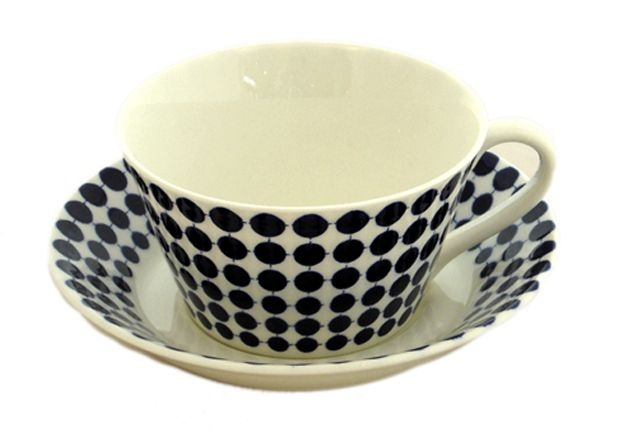 This cup reaches the perfect balance of dots. Lovely. Stig Lindberg cup