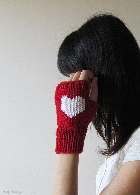 Knit Fingerless Gloves in Dark Red White by naryaboutique on Etsy