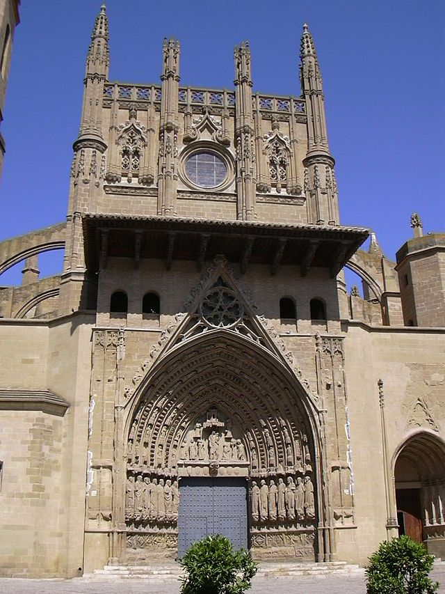 Huesca - Fachada de la catedral