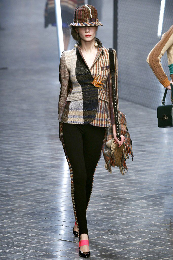 See the complete Sonia Rykiel Fall 2011 Ready-to-Wear collection.