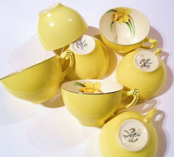 I may need these for my kitchen with its new yellow paint. They are precious!