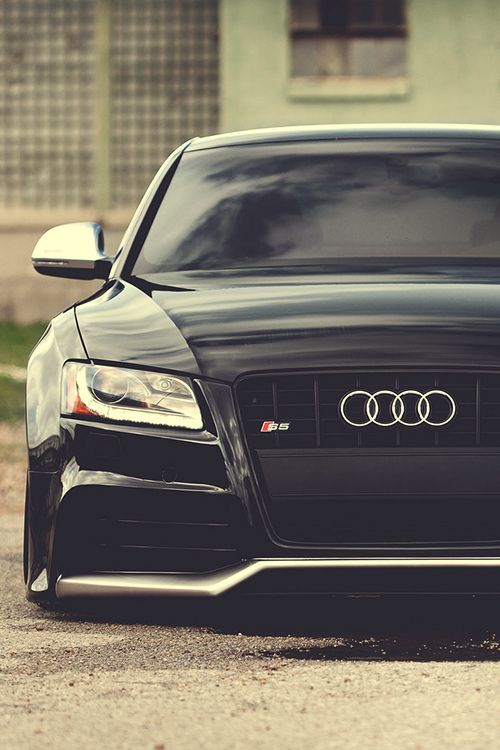 Audi S5 (Via riqueza-de-la-vie )