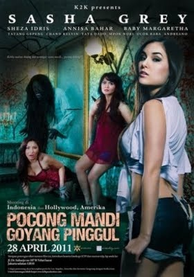 Pocong Pinggul Mandi Goyang