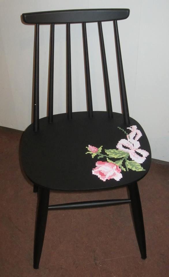 Ruusujakkara. Kuvio maalattu.