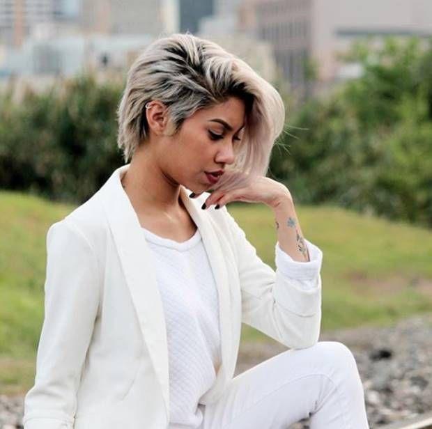 صبغة اومبري اشقر رمادي غامق و فاتح و فضي درجات اللون و الطريقة Haircoloring Hairstyles Haircolor Ash Blonde Ombre Hair Ash Blonde Dark Roots Blonde Hair