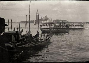"""""""looking_through"""" - venezia mood #marianofortuny #venezia"""