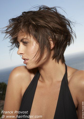 Love this messy beach look! Wish my hair would do this!