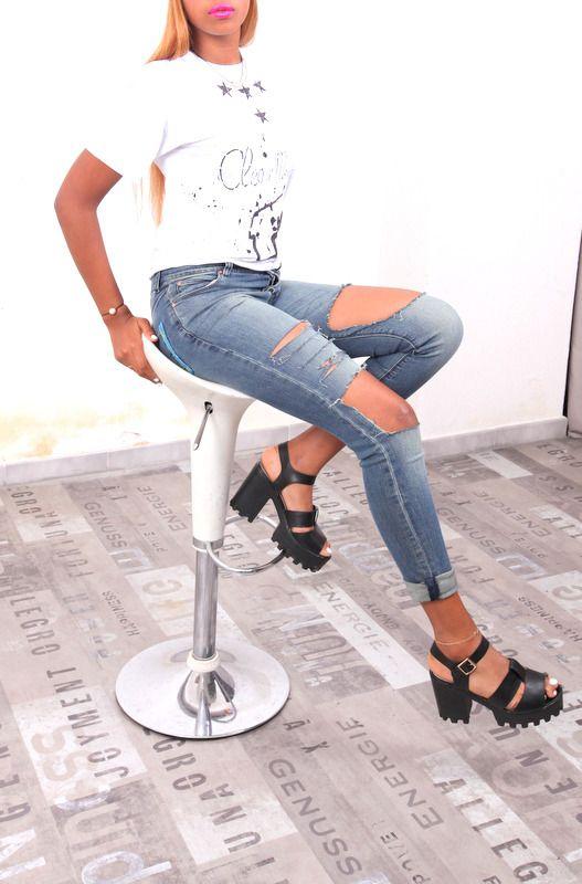 jean taille haute déchiré, jean slim troué, jean slim destroy, jean destroy femme, jean troué : Pantalons, jeans, shorts par cleo-n-mama-creation