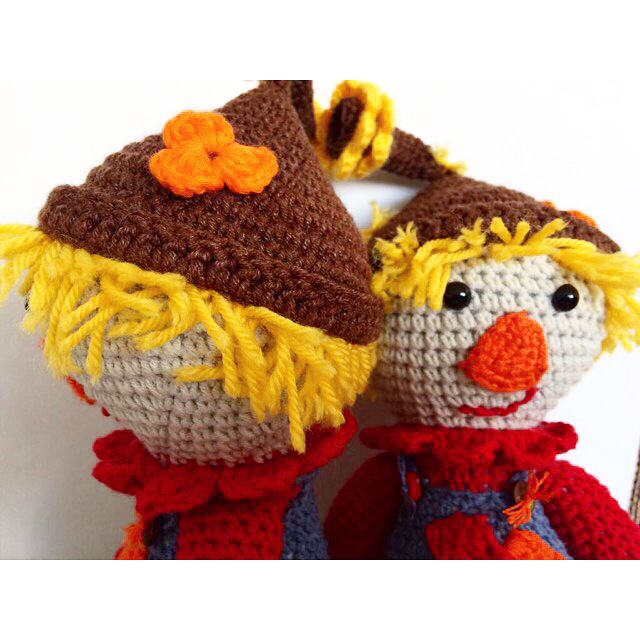 Sıradaki göbekler ikizler için gelsin. ��  Tombiş korkuluklar. ��  #amigurumi #merigurumi #örgü #elişi #elyapımı #crochet #crochetlove #ikizler #twins #korkuluk #organik #oyuncak #toys #baby #sevimli #hobi #sevgidolu #mutlu #bebekler #örgüoyuncak #insta #instagood http://turkrazzi.com/ipost/1521624784583411774/?code=BUd5a3-hkg-