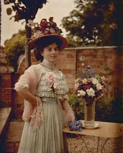 Autochrome 1910 Pretty dress