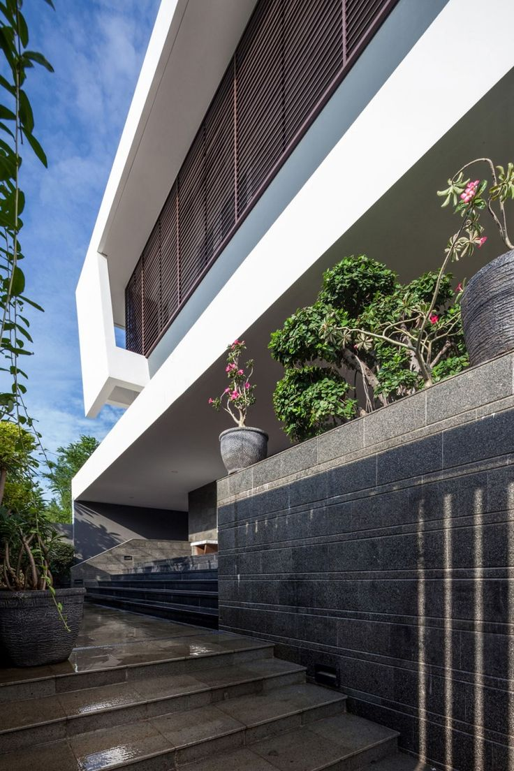 B M House by DP HS Architect (5)