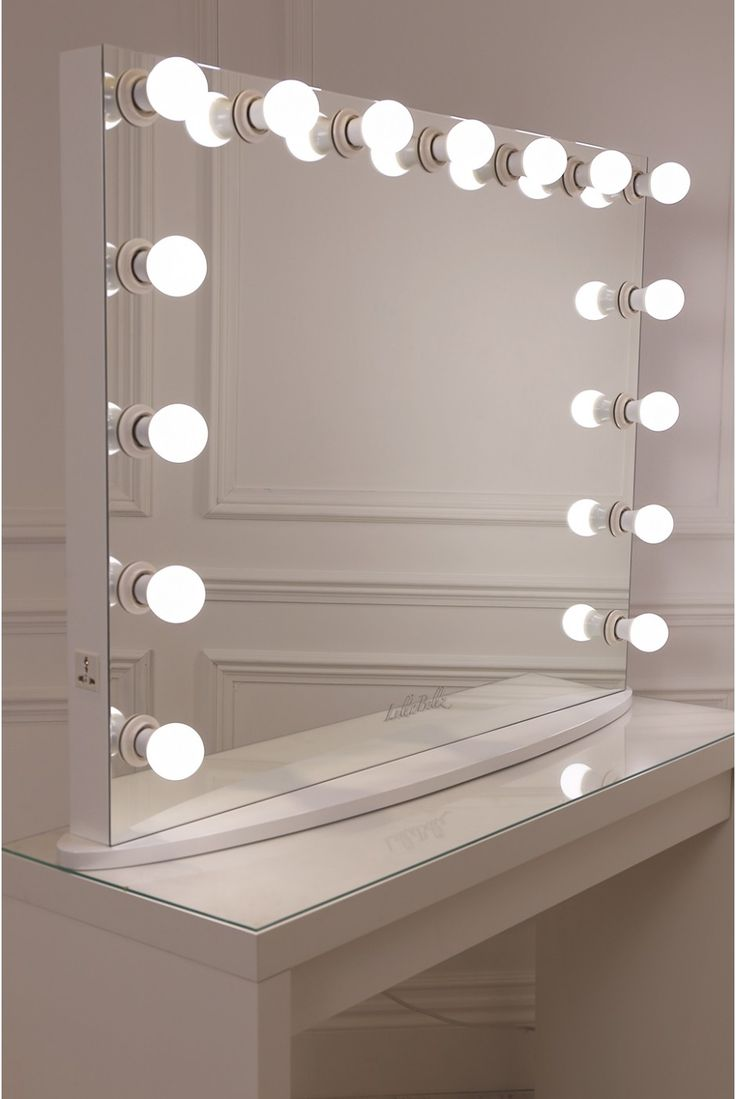 best 25 hollywood mirror ideas on pinterest diy makeup light mirror hollywood mirror lights. Black Bedroom Furniture Sets. Home Design Ideas
