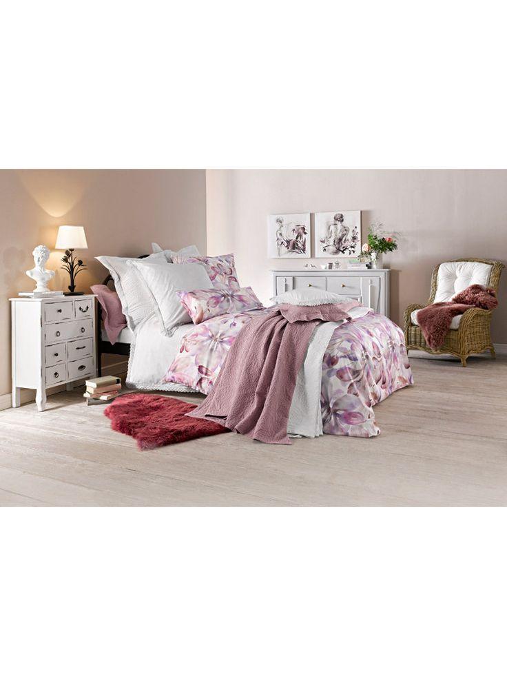 1000 id es sur le th me jet de lit sur pinterest couvre lit boutis chambres rouges et lits. Black Bedroom Furniture Sets. Home Design Ideas