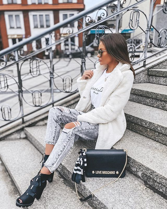 P A U L A On Instagram 1 2 Or 3 Coat Prettylittlething Jeans Butik Hollywood Dream Shoes Hers Pl Paulina10 10 Fab Fashion Fashion Dream Shoes