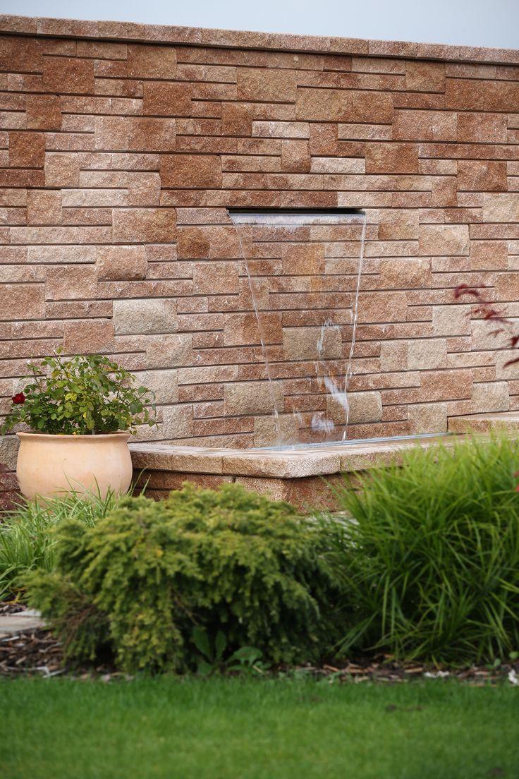 Zahradní pítko ze systému NATRUBLOK #stavbyjakozkamene #csbeton #beton #pítko #fontána #concrete #fountain