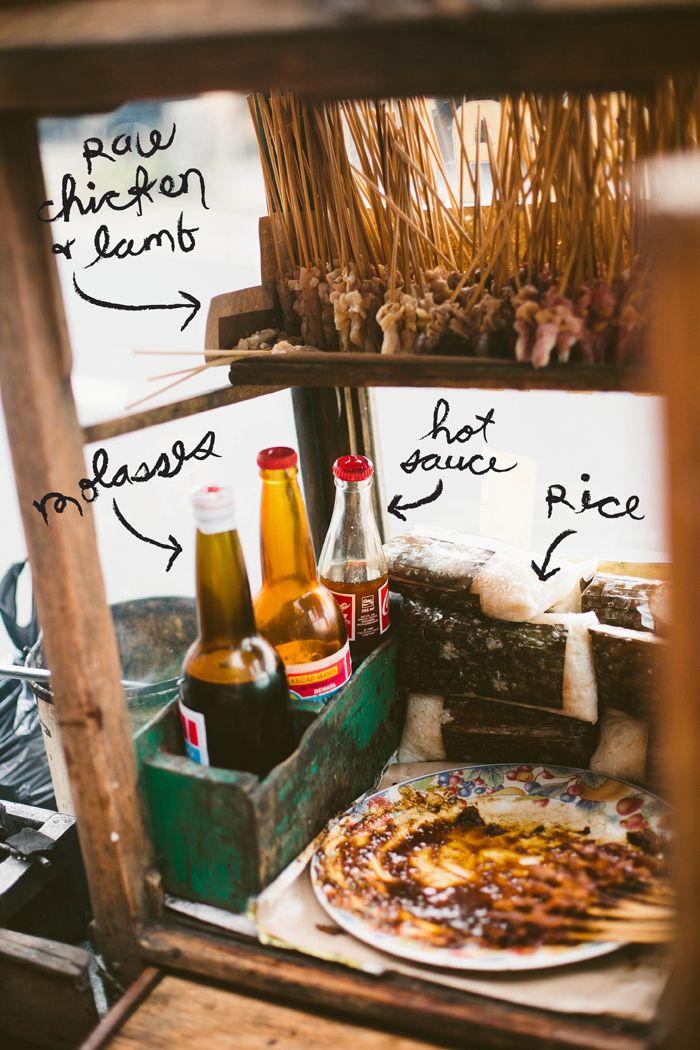 Sate. Kuliner khas Indonesia yg sangat lezat. Berupa potongan daging Ayam, Sapi, Kambing, Ikan, dll yg ditusuk dan dibakar di atas bara api. Bumbunya berupa saus kacang dan kecap. #PINdonesia