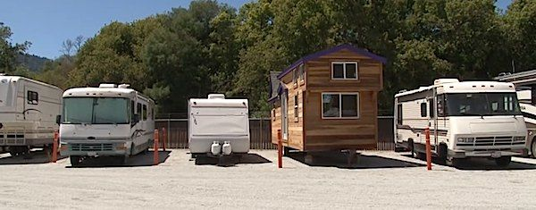 rvs motorhomes travel trailers vs tiny houses on wheels   The Difference Between RVs and Tiny Houses on Trailers