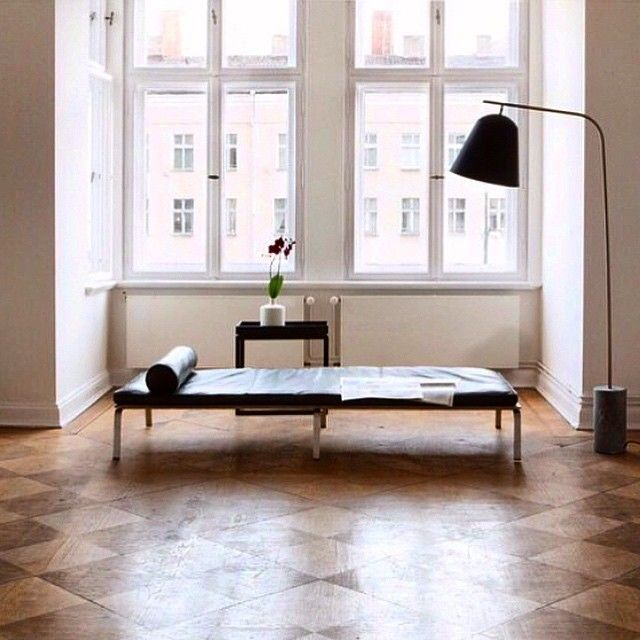 Man Daybed and Line Two lamp