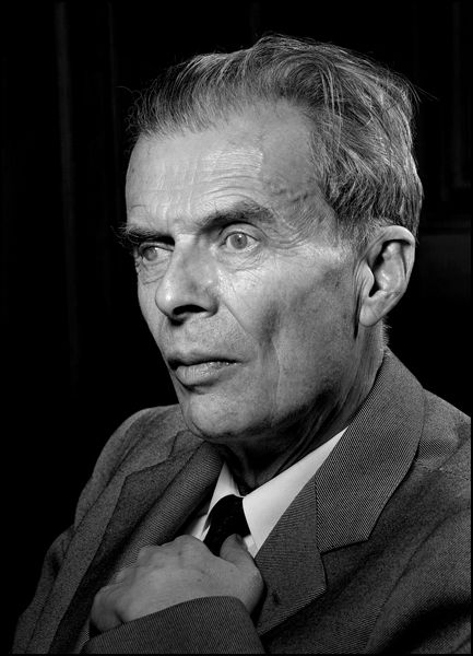 an analysis of the current society using aldous huxleys brave new world Aldous huxley's 1932 classic brave new world is arguably one of the most inventive novels published in the 20th century in case you haven't taken a trip to huxley's world state in quite.