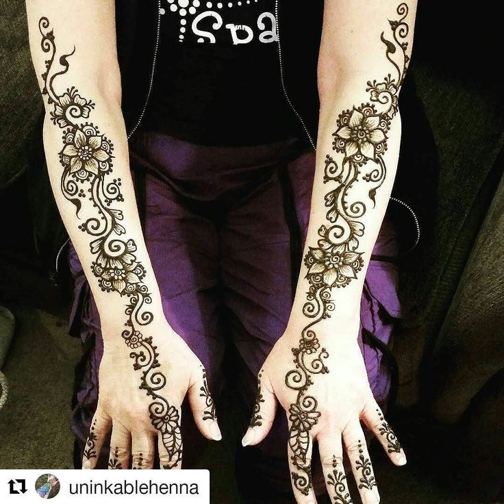 #follow@hennafamily #hennafamily #Repost @uninkablehenna  #Decorations for my first and best customer! #mom #mother #henna #design #hennadesign #hennaart #hennaartist #hennatattoo #hennainspire #tattoo #tattoos #bodyart #art #bodyartist #uninkableartistry #uninkablehenna #freehand #hennatattoos #artwork #love #flowers #flower #vines #jamila