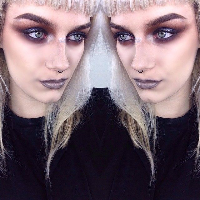 """""""Old grungy androgynous #motd  @maccosmetics feline pencil with @maccosmetics black grape pigment with creation from the @limecrimemakeup Venus palette.…"""""""