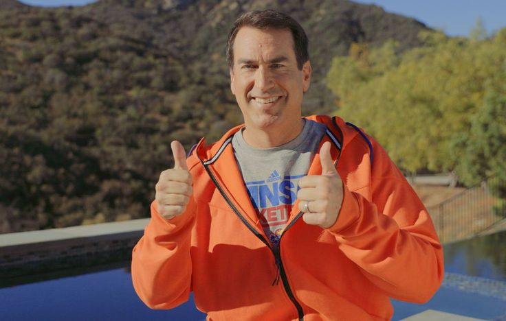 Comedian Rob Riggle Forced to Pick Between a Beer and a Bagel http://qoo.ly/kbeqz