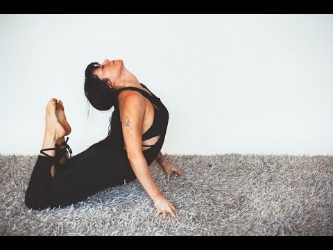 Elongated Core Yoga Class with Meghan Currie - YouTube ...