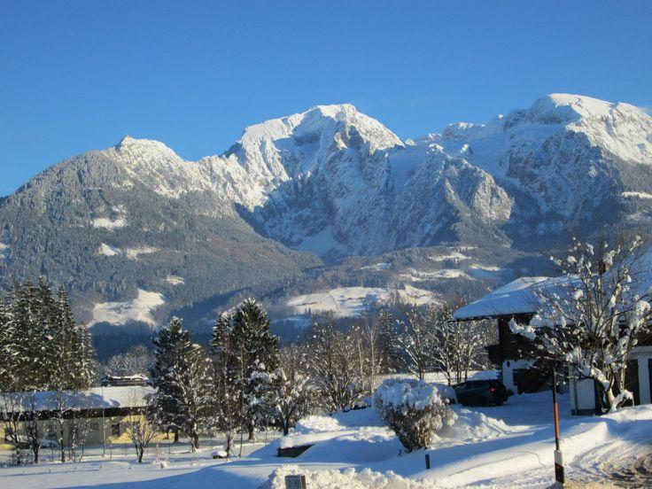 Traumhafter Blick auf den Hohen Göll, Hohes Brett, Kehlsteinhaus im #Winter - Bilderbuch #Winter im Berchtesgadener Land in #Oberbayern