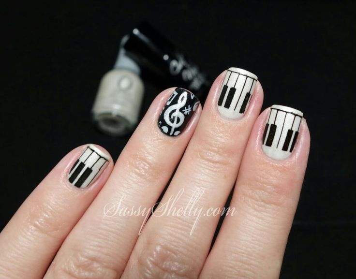 The 25 best music note nails ideas on pinterest music nail art digit al dozen does black white day 2 piano prinsesfo Images