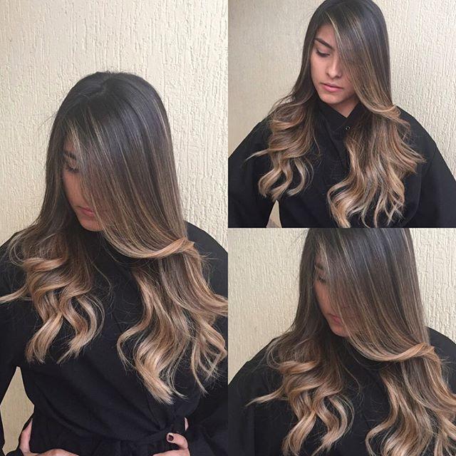 #mulpix Ombre Hair para morenas !tom dourado claro✂️❤️ @larifloresch Lindaa! #keune #keunehaircosmetics #loiro #loiras #cabeloslongos #morenasiluminadas #hair #haircut #hairstyle #instagram #photooftheday #photo #luzes