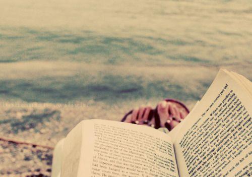 un bon bouquin + une plage = bonheur