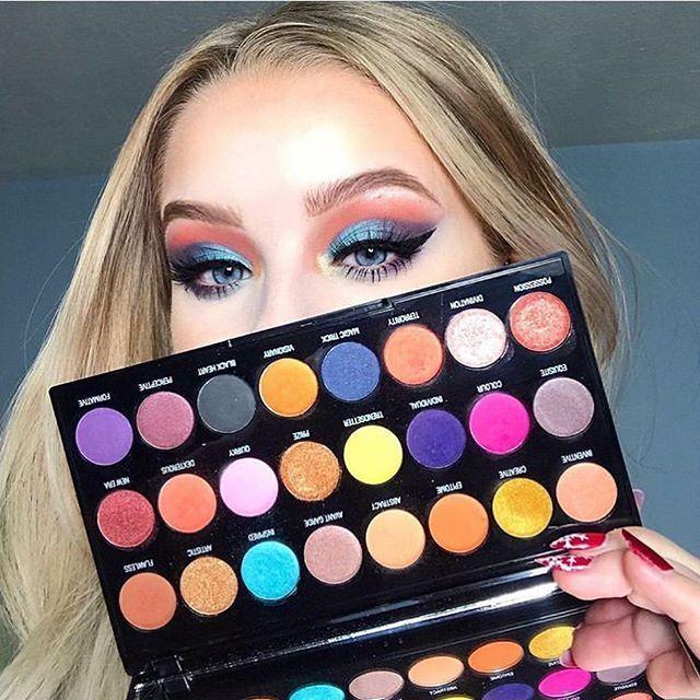 Makeup Revolution Palette Creative Vol 1 Recherche Google In