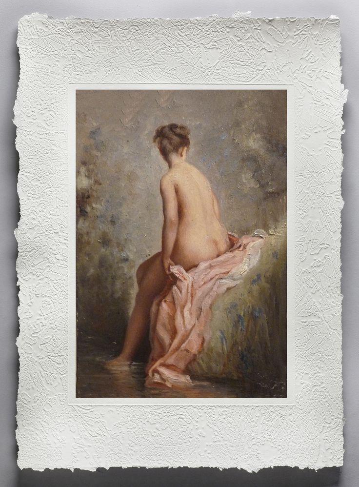 """CHARLES CHAPLIN ( 1825 - 1891) nacque in Francia da padre inglese; il suo stile s'ispirò alla pittura rococo molto delicato nei toni. Apprezzato dall'imperatrice Eugenia, ebbe numerose commissioni, tra le quali la decorazione del salone dell'emiciclo del palazzo dell'Eliseo, del teatro dell'Opéra e delle Tuileries. Artista ufficiale del Secondo Impero, viene classificato tra i pittori dell'«Art pompier». Opera rappresentata """" Bagnante"""" Stampa fine art su carta fatta a mano…"""