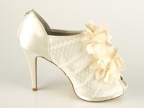 Wedding shoe on the big day!Sko - Menbur: Valentina