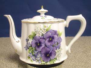 Royal Teapot - Pansy Bouquet