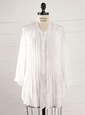 pretty white pleated tunicWhite Pleated, Pretty White, Pleated Tunics, Francene Boards, Hello Closets, Imaginary Closets