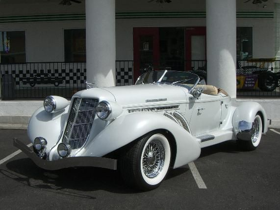 1936 Auburn Speedster. She featured a supercharged 350 V8 engine.